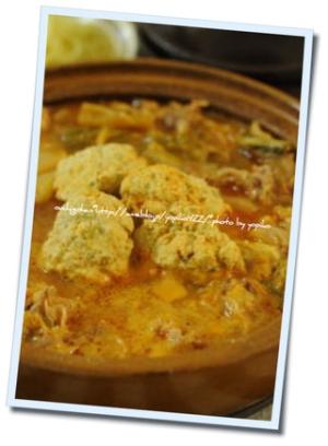 白菜と豚肉のピリ辛鍋。