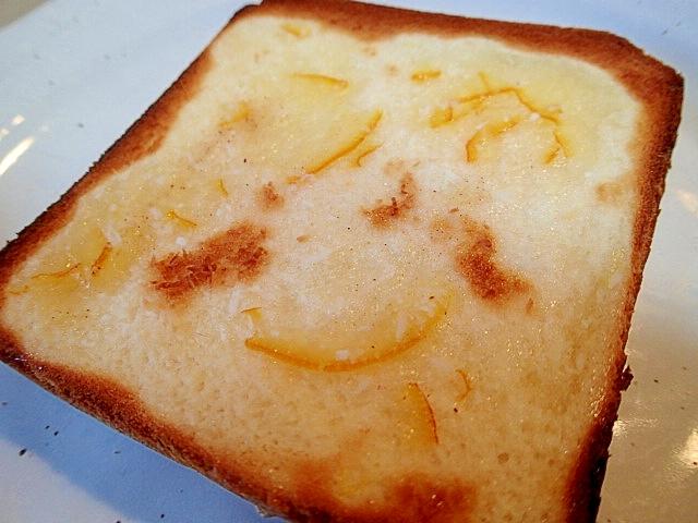 マーマレードとココナッツのキャラメル香るトースト