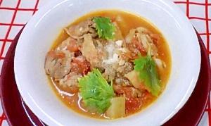 鶏とセロリのトマトスープ