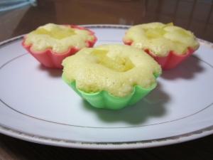 リンゴ入りレンジ蒸しケーキ
