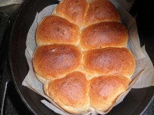 グリルdeダッチオーブン・全粒粉パン