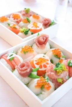 ひな祭りに*デコ手鞠寿司