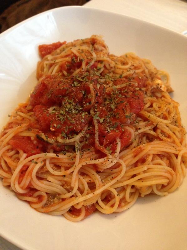 混ぜるだけで簡単!イワシトマトパスタ