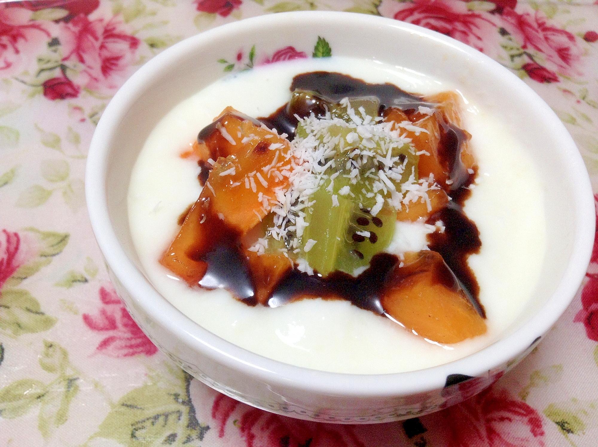 柿とキウイのココナッツチョコヨーグルト