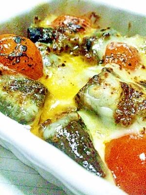ナスとプチトマトのカレーチーズ焼き