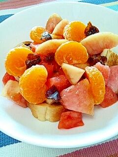 トーストで☆真夏の果実シリアル風♪