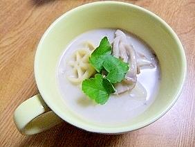 ショートパスタ入り♪キノコのクリームスープ