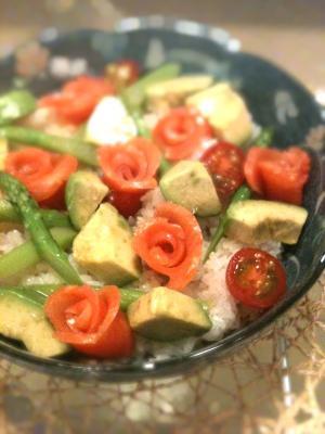 ひな祭りにお花見にサーモンローズの春色ちらし寿司