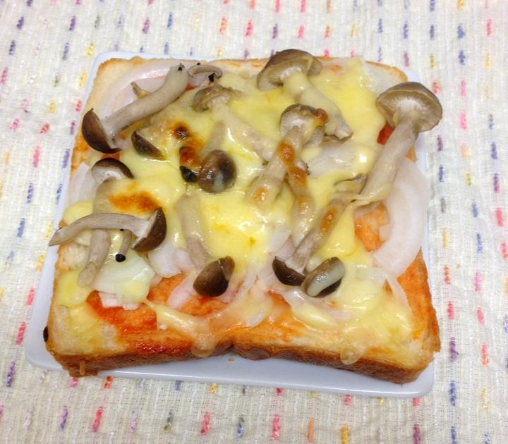 朝食に☆簡単ピザトースト
