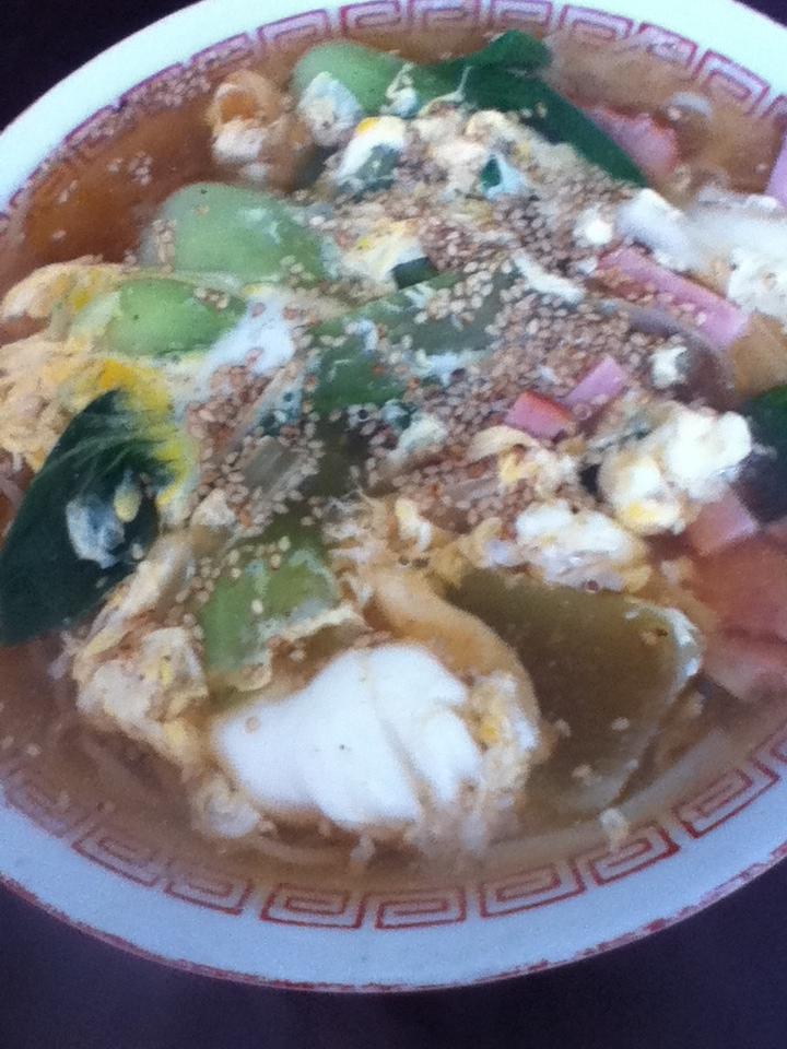 チンゲン菜とチャーシューの卵とじラーメン