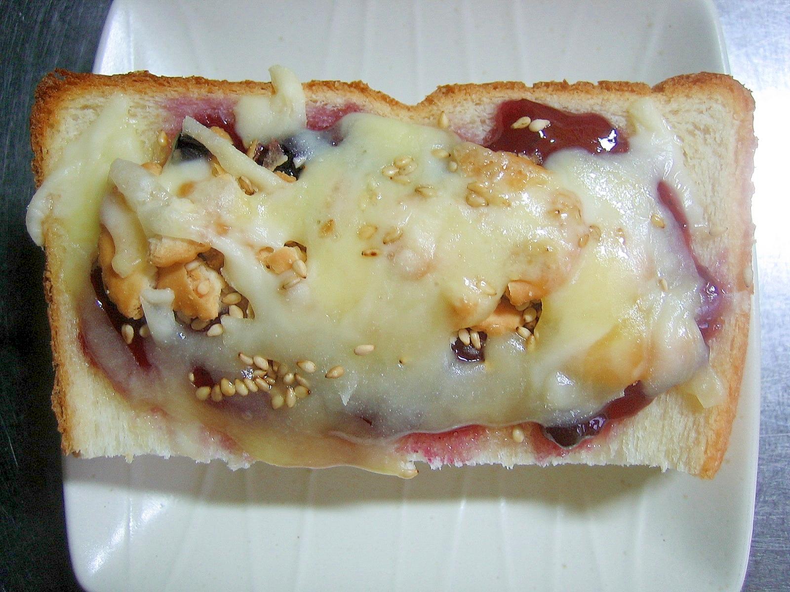 ブルーベリージャム&クラッカーのチーズトースト