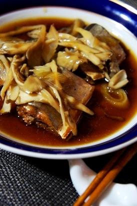 圧力鍋で簡単、秋刀魚のたっぷりキノコ餡