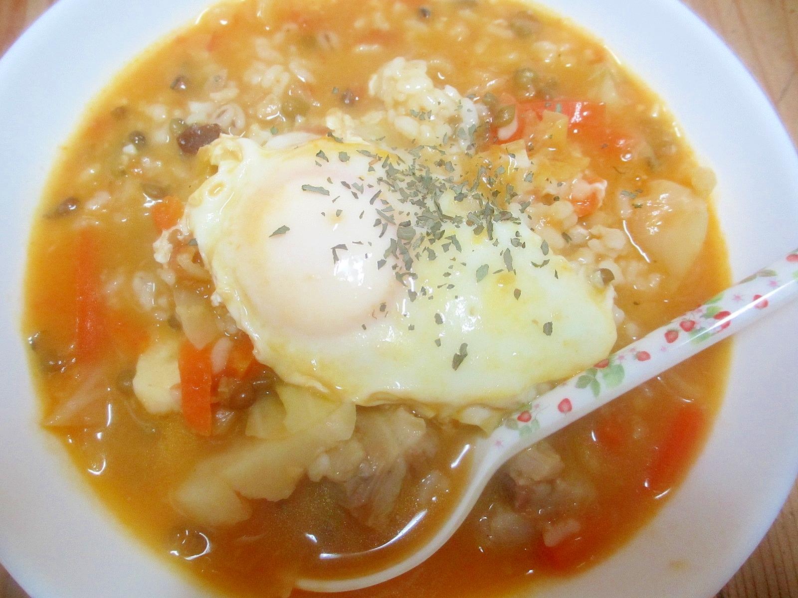 キャベツと卵のトマトスープご飯