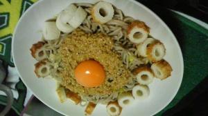 アレンジ☆納豆そばwithにんにく・卵黄