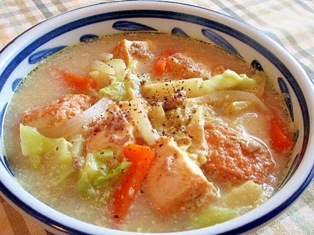 厚揚げと豚ひき肉の具だくさん豆乳カレースープ♪