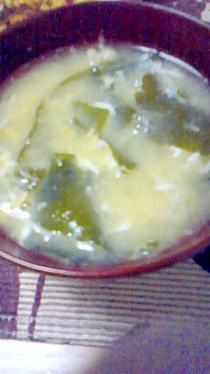 たまごとえのきとわかめとコーンのスープ