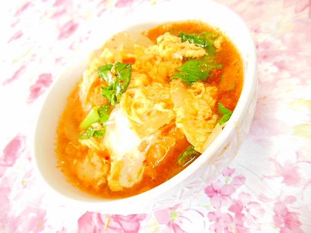 小松菜とキムチと玉葱と卵の食べる・スープ