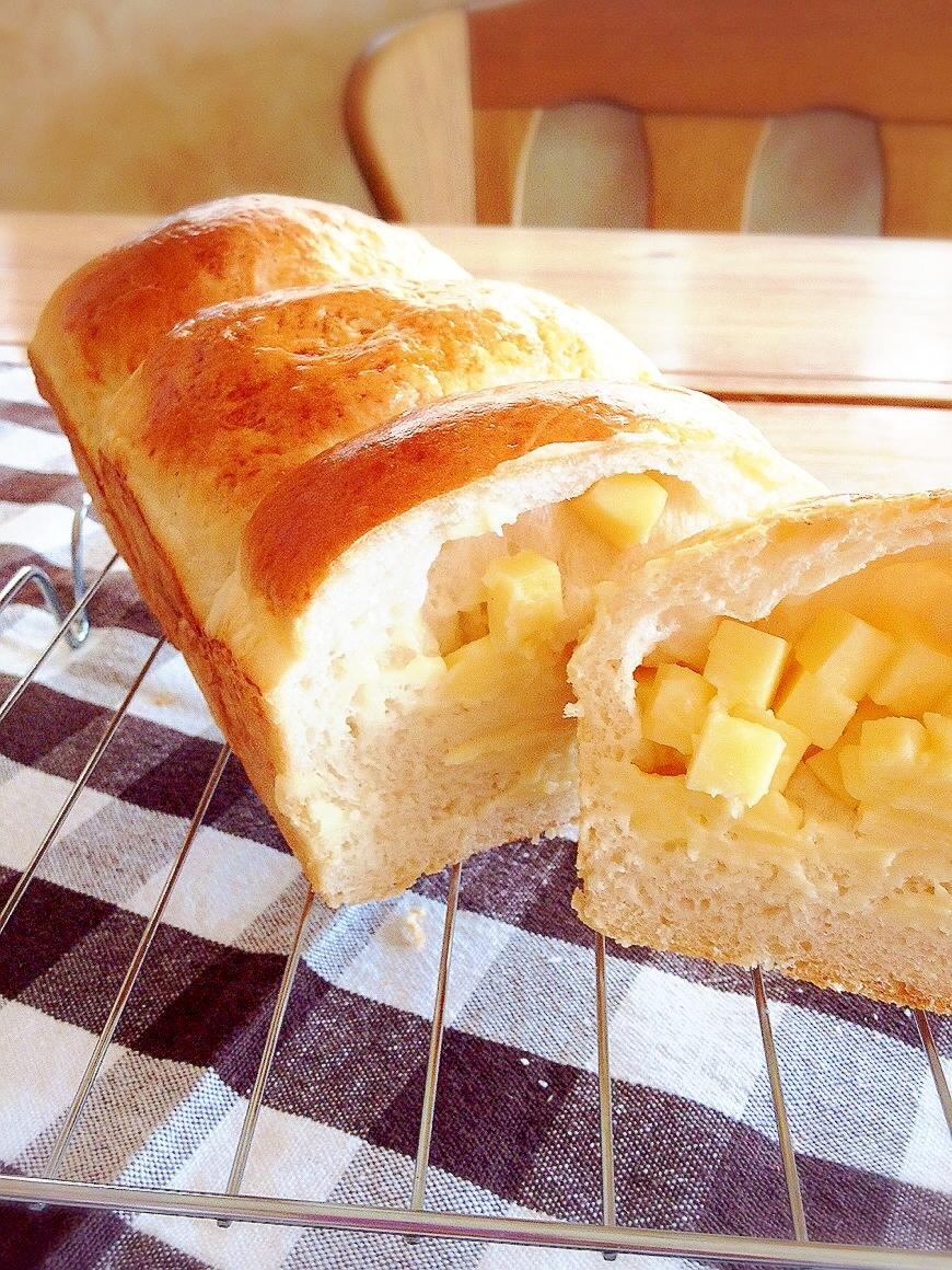 6. チーズ好き歓喜の夢の食パン「ゴロゴロチーズ食パン」