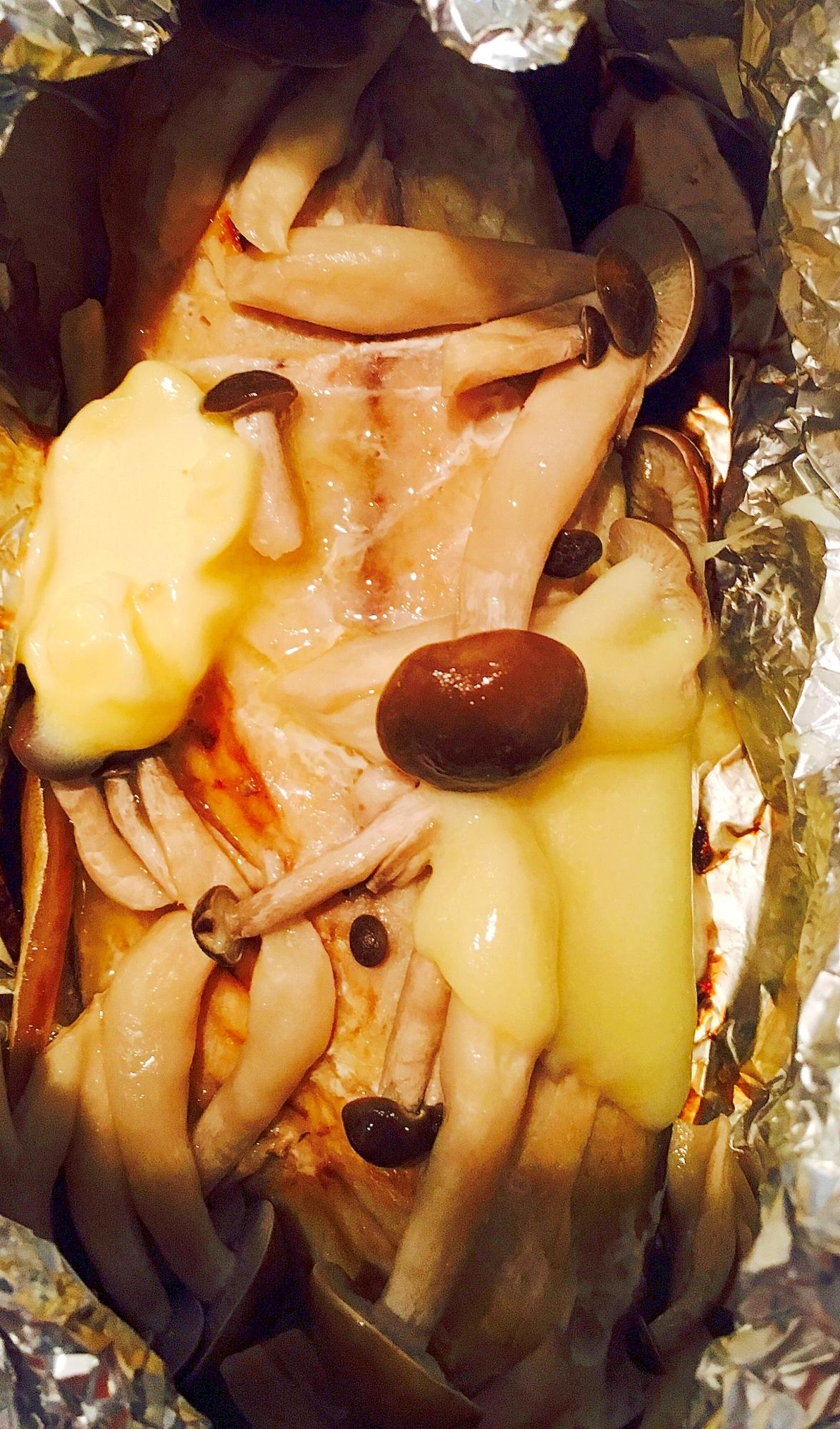 2. サバとしめじと新玉ねぎのホイル焼き