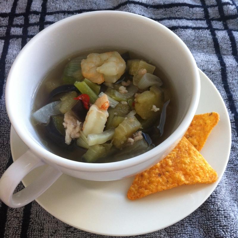 エスニックタコス風ピリ辛スープ
