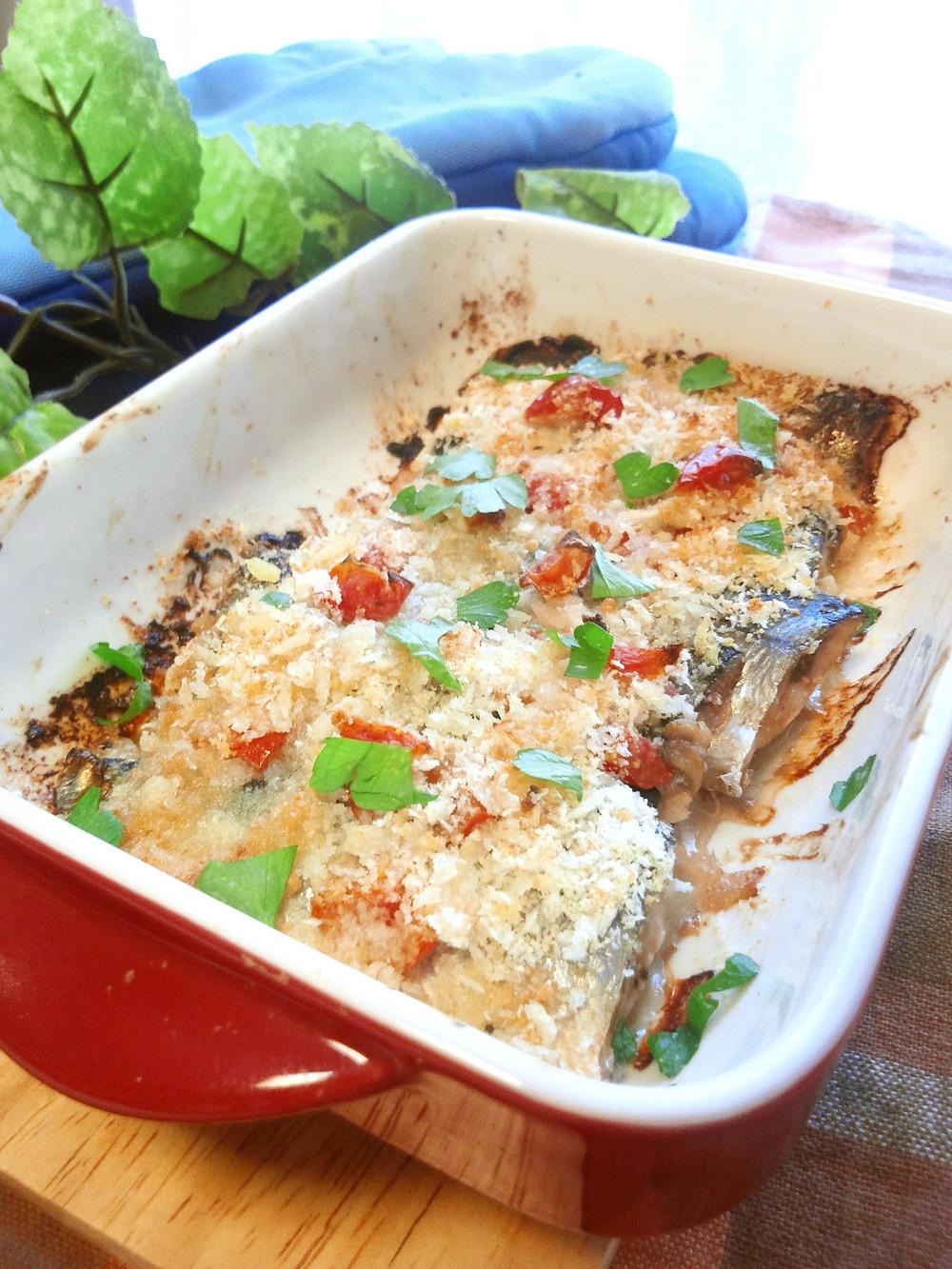 塩トマトでサンマのパン粉焼き