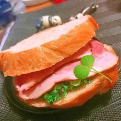 かき菜とハムのソフトフランスパンサンド