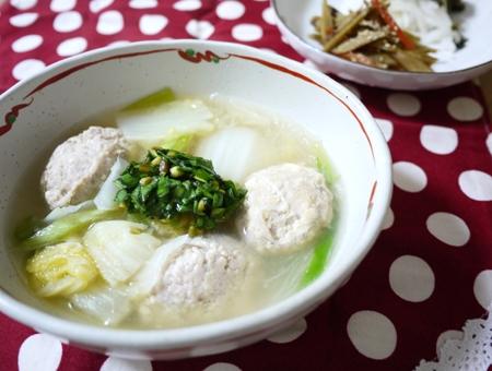 肉だんごと白菜のスープ