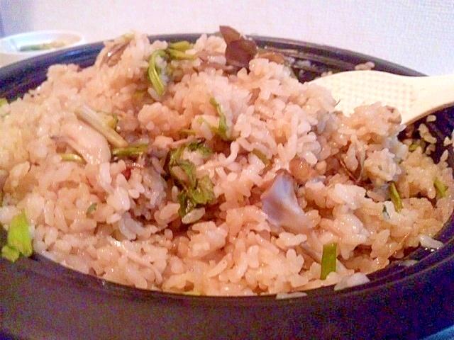 舞茸の土鍋炊き込み御飯