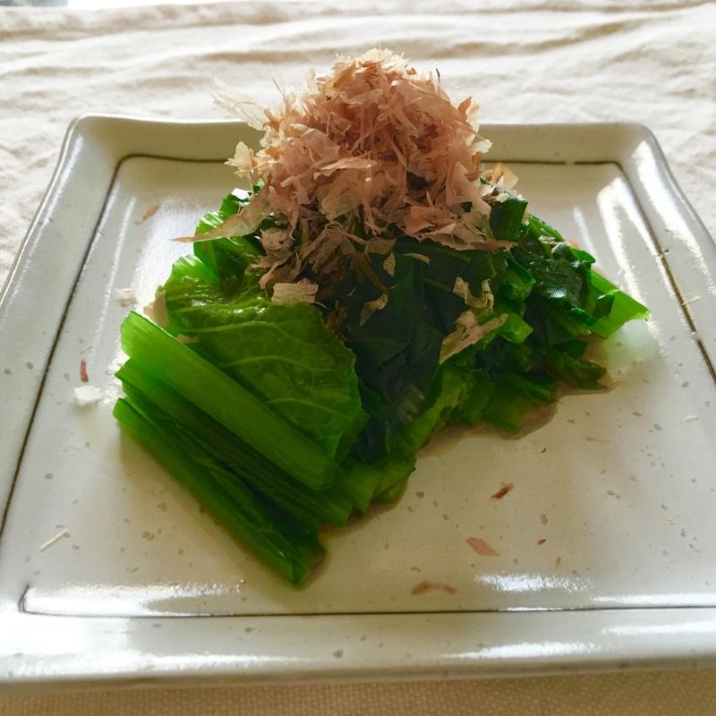 1. 簡単レンジで小松菜のおひたし