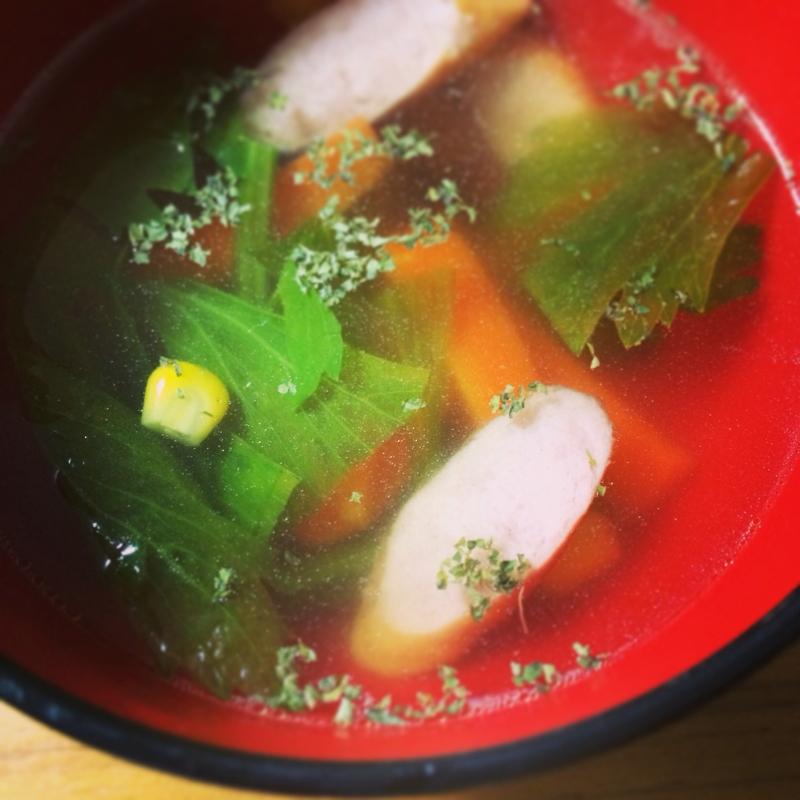 コーンが甘い^_^セロリとコーンのスープ