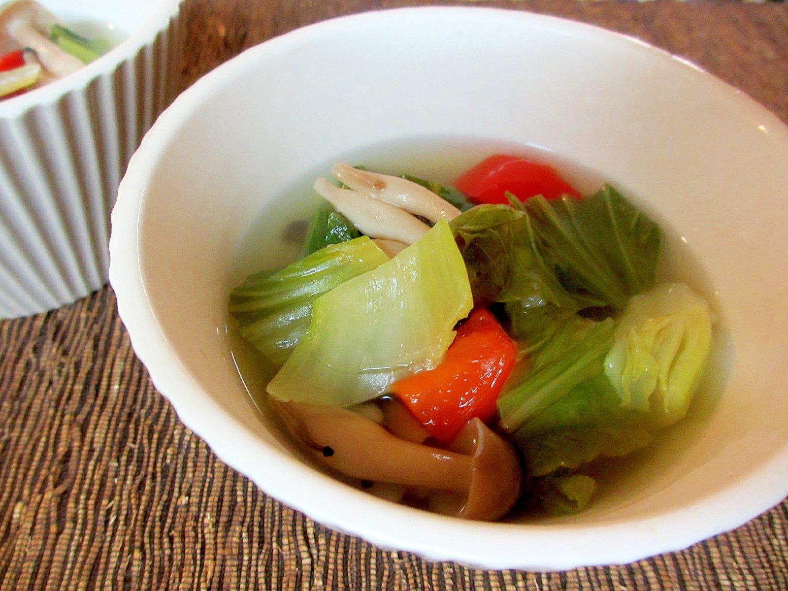 青梗菜とパプリカのスープ