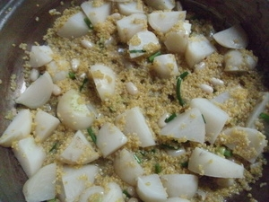 カブともちきびのニラ煮