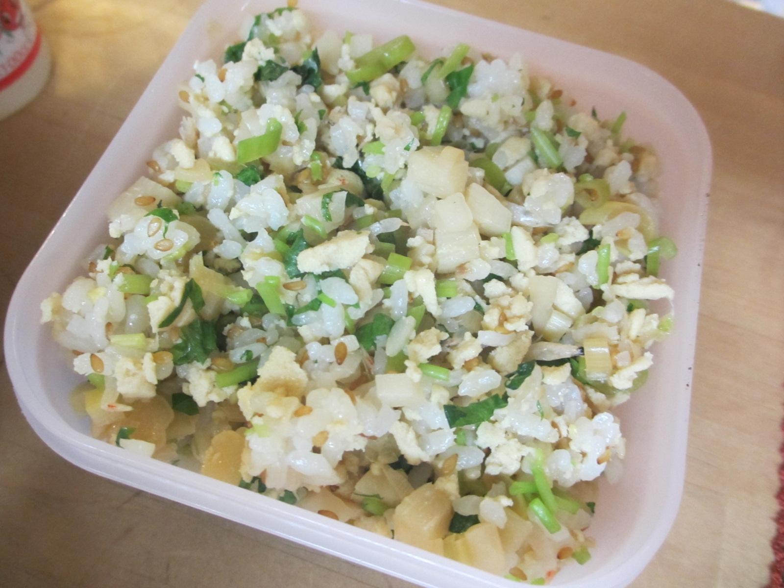タケノコと高野豆腐と三つ葉の炒めご飯