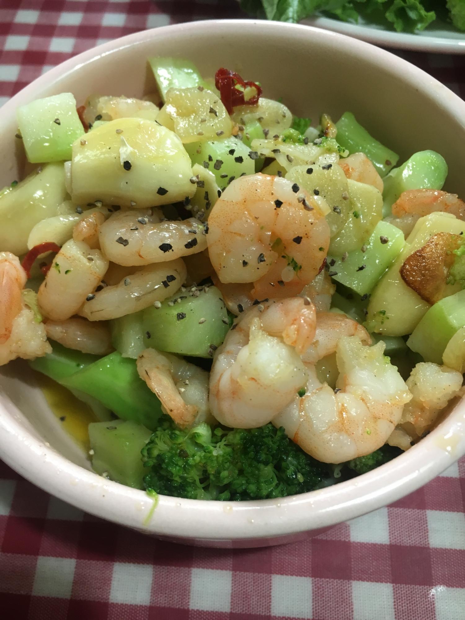 海老とブロッコリーの具沢山アヒージョ レシピ・作り方