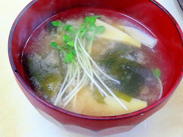 筍の下茹で&季節限定「姫皮とワカメの味噌汁」