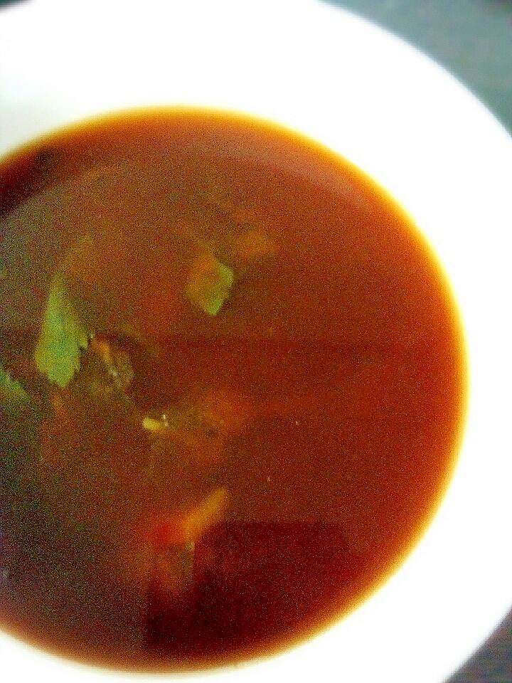 ピーマンと三ツ葉としじみ味噌汁の素で作るしじみ汁