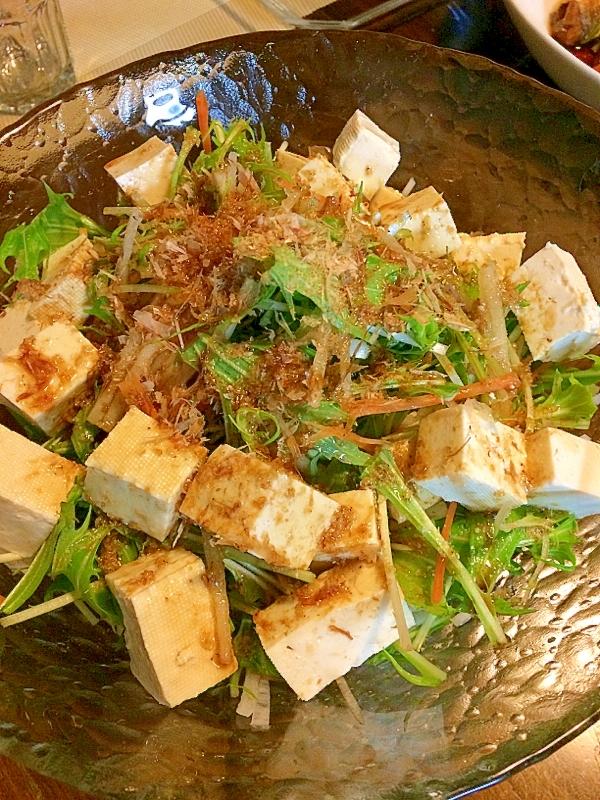 もりもり食べられる! レタスと玉ねぎの和風サラダ