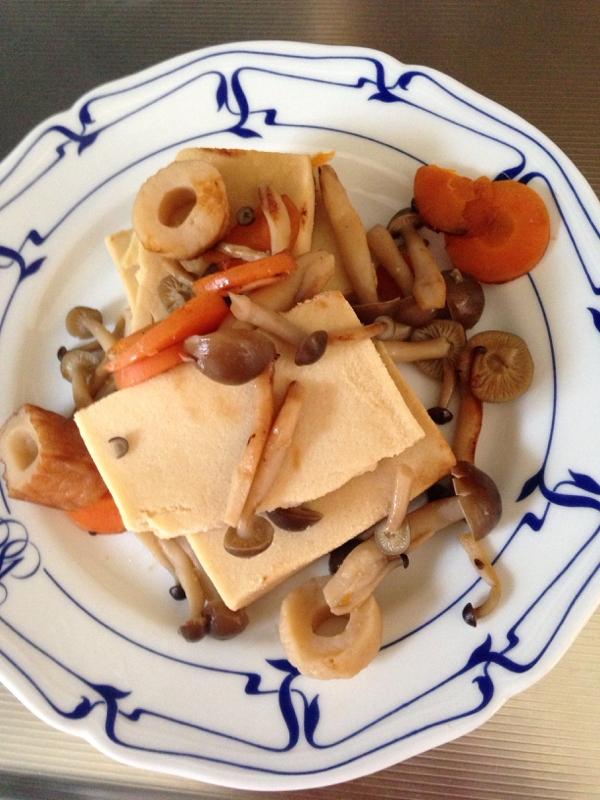 しめじと高野豆腐の煮物
