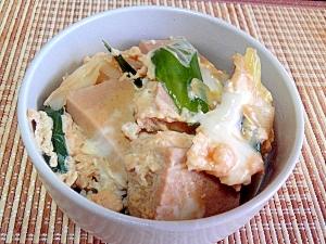 煮汁がジュワ~高野豆腐とねぎのたまご丼