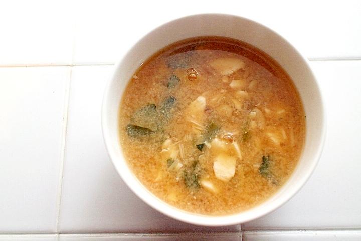 優しい口当たり♪ほろほろ豆腐のお味噌汁