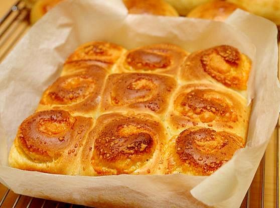 エダムチーズロールのちぎりパン