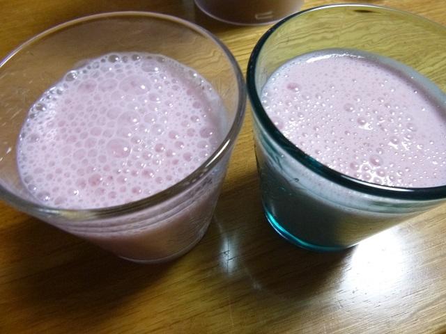 幸せのピンク色☆黒糖いちごシェイク!