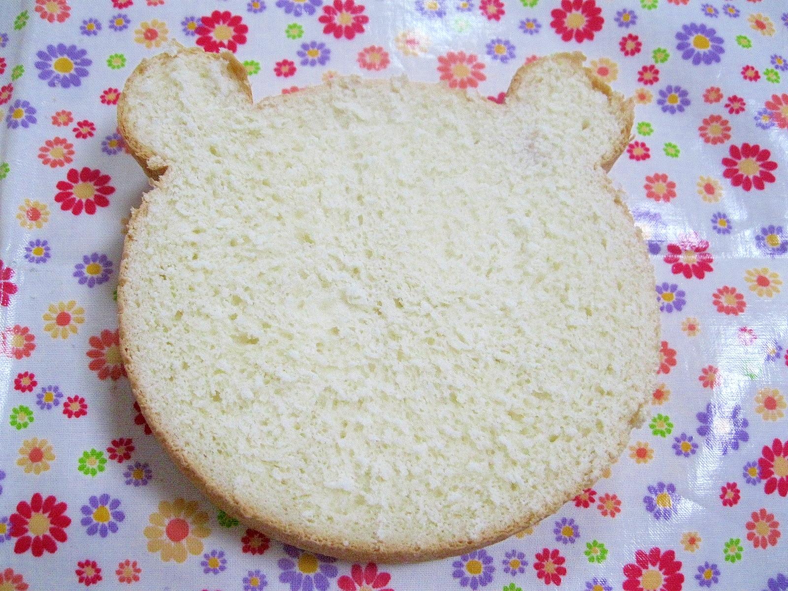 クマ型「生クリーム食パン」