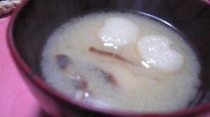 もち麩と椎茸の味噌汁
