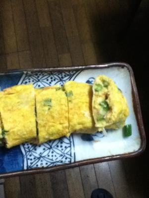 ニンニクの芽とカニカマの卵焼き