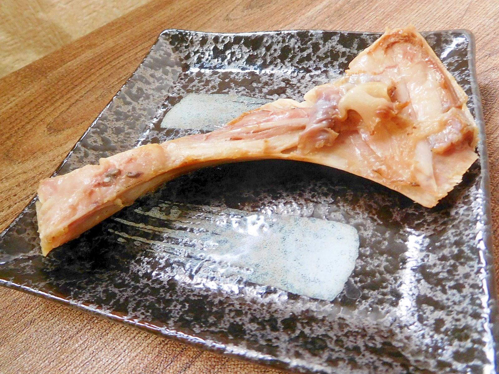 1. キハダマグロのカマ塩焼き