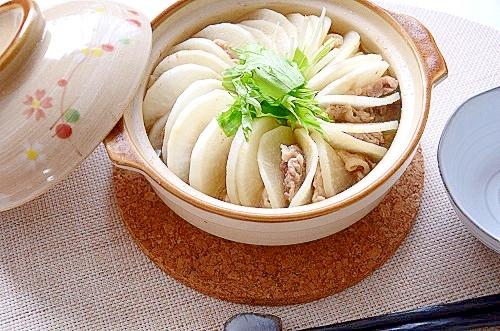 1. お醤油ベース!生姜香るミルフィーユ鍋