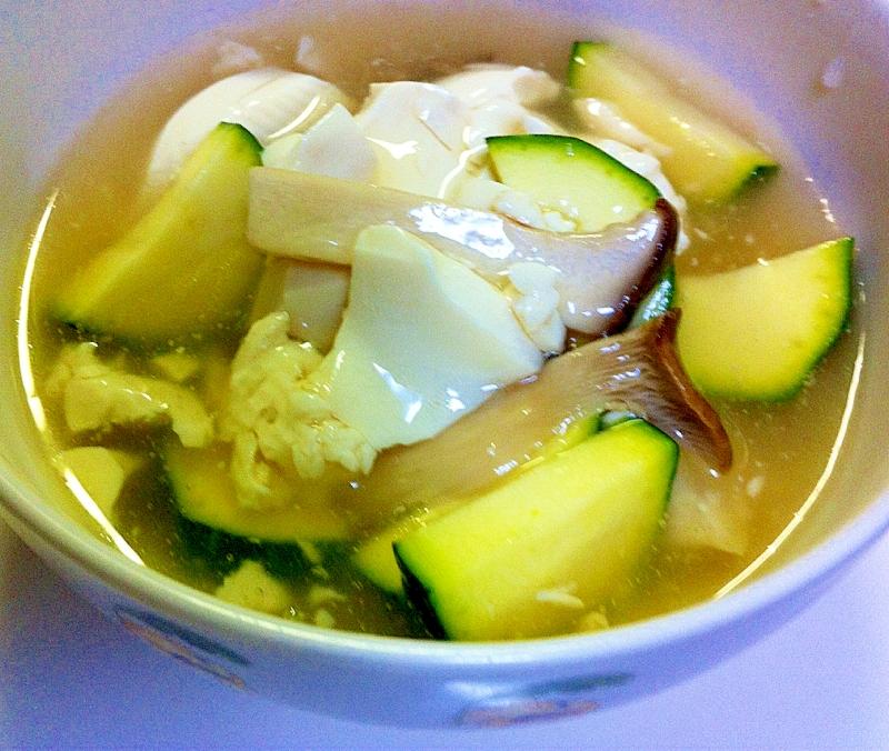 おぼろ豆腐とエリンギのスープ