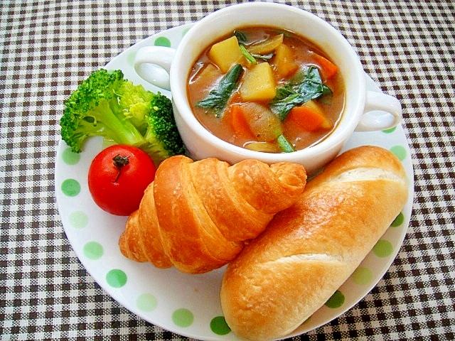 ほうれん草入り野菜カレースープのワンプレート