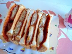 コロッケのホットサンドイッチ♪